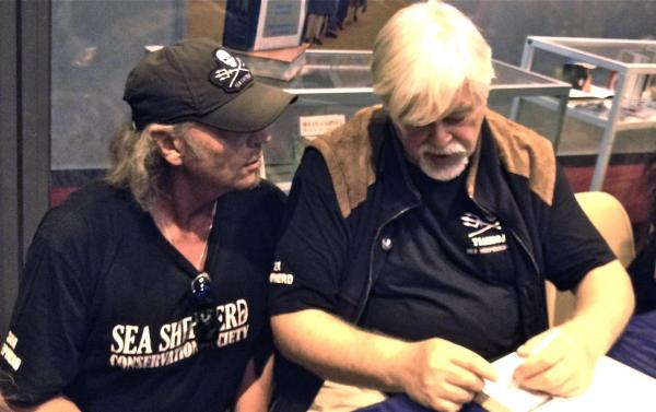 "Jerry ""Jeepthefox"" Pelikan  Founder & Director of Earthforce Fight Squad with Paul Watson"